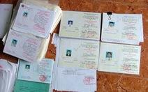 Phá đường dây làm giả giấy tờ có tới 5.800 con dấu