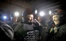 Gần 500 thợ mỏ Ukraine mắc kẹt do pháo kích xung đột