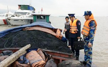 Bắt giữ tàu chở 150 tấn than không giấy tờ nguồn gốc