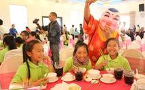 400 phần quà cho trẻ em nghèo tỉnh Lâm Đồng