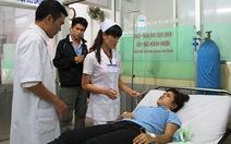 Gần 70 công nhân nhập viện sau khi ăn trưa