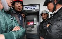 """ATM lại hết tiền, """"nghỉ tết"""" sớm"""