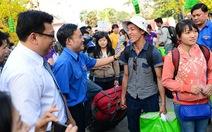 500 công nhân TP.HCM được về quê miễn phí