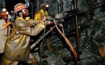 Gần 500 thợ mỏ Nam Phi thoát nạn sau sự cố hỏa hoạn trong hầm