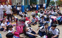 TP.HCM: học sinh vui vẻ trở lại trường sau tết