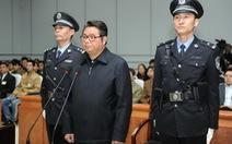 """""""Quan tham"""" Trung Quốc nhận hối lộ bằng ngọc quý lãnh 17 năm tù"""