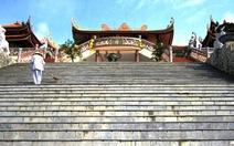 Ngắm thiền viện Trúc Lâm bên bờ Bái Tử Long