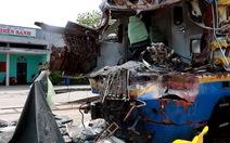 Đường sắt Bắc - Nam vẫn chưa thông sau tai nạn