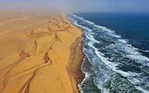 """Khám phá Namib và sa mạc Trắng,""""đặc sản du lịch""""châu Phi"""
