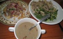 """Gỏi cá sặc bông bần - """"phlia"""" của người Khmer Nam bộ"""