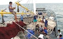 Cùng ngư dân Vượt sóng