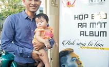 Ca sĩ Nguyễn Hồng Ân gây quỹ cho trẻ nhiễm HIV/AIDS