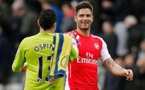 Giroud và Ospina giúp Arsenal thắng Newcastle