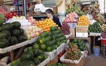 Sài Gòn 35 độ, rau củ lên giá, trái cây hạ giá