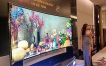 Tivi 5K 105-inch LG 105UC9 hơn 2 tỉ đồng ra mắt ở VN