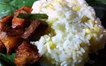 Xôi nếp Mai Châu phải ăn với thịt nướng lá móc mật!