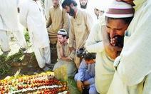 """Đòi """"cưới vợ liền tay"""", 1 thanh niên Pakistan giết 14 người thân"""