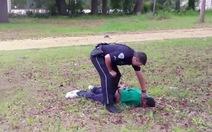 Video bí mật tố cảnh sát Mỹgiết người da đen