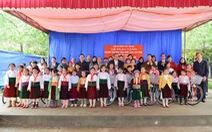 Chánh án Trương Hòa Bình tặng 100 xe đạp cho trẻ nghèo