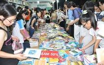 Chợ phiên sách xưavà giao lưu với nhiều tác giả