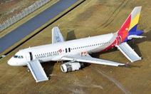Máy bay trượt đường băng ở Nhật, 23 người bị thương