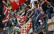 """Bayern """"cháy vé"""" sau trận đại thắng"""