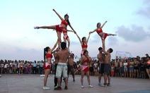 Hàng ngàn du khách dự ngày hội biển Đà Nẵng