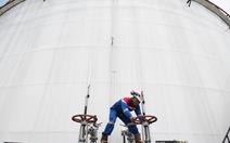 Giá dầu đạt mốc cao nhất trong năm 2015
