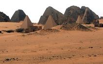 """Độc đáo quần thể kim tự tháp """"bị lãng quên"""" ở Sudan"""