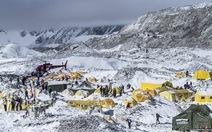 Hơn 300 người đang bị vùi lấp dưới tuyết ở Nepal