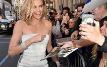 Charlize Theron trở lại, huyên náo hè 2015