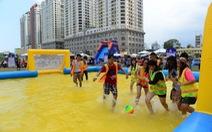 Hàng ngàn bạn trẻ tham gia lễ hội âm nhạc ngoài trời