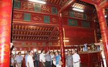 Bảo tàng thơ trên đền đài cung điện