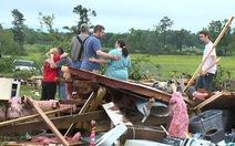 Bão, lốc xoáy tấn công miền Nam nước Mỹ, 5 người chết