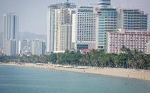 """""""Bức tường cao ốc"""" ven biển Nha Trang"""