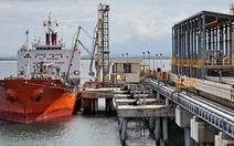 Giá nhập khẩu xăng dầu giảm 41% so với cùng kỳ