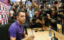 Xavi rời Barcelona sau 24 năm cống hiến