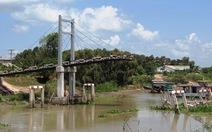 Cầu mới khánh thành hai tuần đã sập