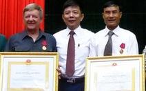 Vinh danh 2 người gắn bó với Phong Nha - Kẻ Bàng