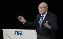 """Nhà tài trợ cảnh báo """"nghỉ chơi"""" với FIFA"""