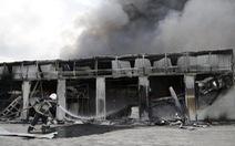 Đông Ukraine đánh nhau dữ dội, hàng chục người chết