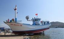 Hạ thủy tàu cá đầu tiên của Khánh Hòa vay vốn ưu đãi