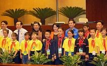 Đại biểu thiếu nhi dự thính phiên làm việc của Quốc hội