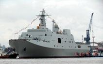 Trung Quốc ngang ngược đưa tàu đổ bộ tới Đá Vành Khăn