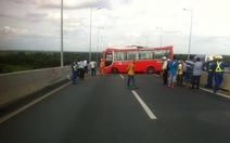 Xe khách vụ tai nạn cầu Long Thành không có dấu hiệu tuột dốc