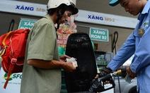 Giá xăng lại tăng 275 đồng/lít