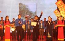 150 thanh niên nhận Giải thưởng Lương Định Của