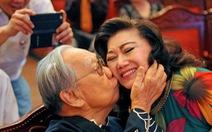 GS Trần Văn Khê qua ống kính Nguyễn Á