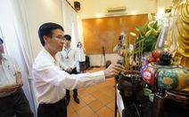 Lãnh đạo TP cùng nhiều nghệ sĩ viếng GS Trần Văn Khê