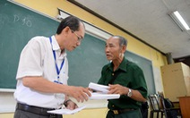 Lão nông 60 tuổi thi THPT quốc gia và muốn trở thành nhà báo